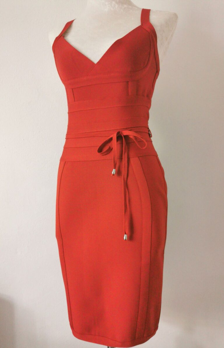 Bodycon dresses : What to wear for a glam and trendy look?